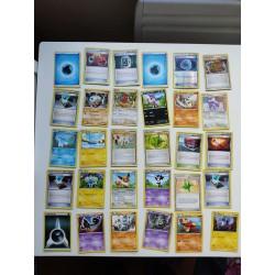 Lot de 30 cartes Pokemon